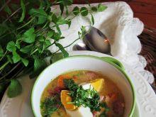 Zupa chrzanowa z jajkiem i kiełbasą