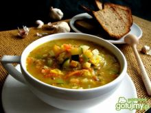 Zupa cukiniowa z soczewicą i czosnkiem
