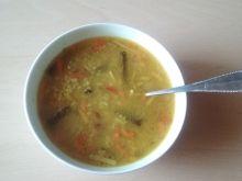 Zupa curry z warzywami i ryżem