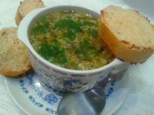 Zupa czosnkowa z grzanką