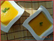 Zupa dyniowa z pomidorami