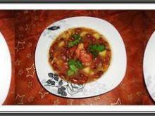 Zupa Eli z ciemnej fasoli