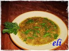 Zupa Eli z zielonej soczewicy