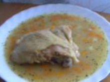 Zupa fasolowa na kawałku kurczaka