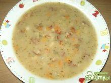 Zupa fasolowa z boczkiem i cebulką