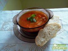 Zupa fasolowa z boczkiem i papryką