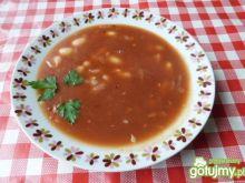 Zupa fasolowa z koncentratem pomidorowym
