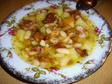 Zupa fasolowa z kurkami i boczkiem
