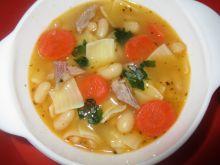 Zupa fasolowa z łazankami