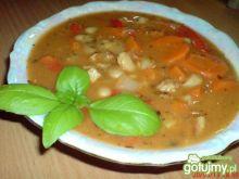 Zupa fasolowa z papryką