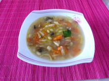Zupa fasolowa z pieczarkami
