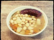 Zupa fasolowa z wkładką z dzika
