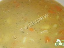 Zupa grochowa na wywarze z golonki
