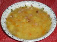 Zupa grochowa z boczkiem i warzywami