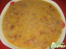 Zupa grochowa z kiełbasą i boczkiem