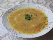 Zupa grochowa z warzywami