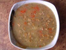 Zupa grochowa ze skwarkami