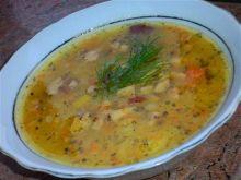 Zupa grochówka z kurkami