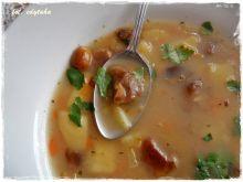 Zupa grzybowa na indyczych szyjkach