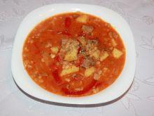 Zupa gulaszowa z karkówką