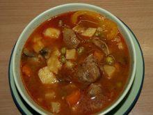 Zupa gulaszowa (zimowa).