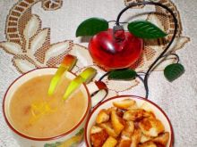 Zupa jabłkowa z cynamonowymi grzankami :