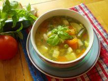 Zupa jarzynowa z bazyliowym pesto