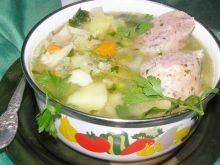 Zupa jarzynowa z białą kiełbasą