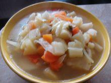 Zupa jarzynowa z kapustą