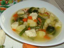 Zupa jarzynowa z kluseczkami sezamowymi