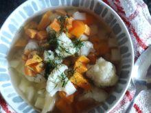Zupa kalafiorowa ze słodkimi ziemniakami