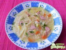 Zupa kapuściana z kaszą jęczmienną