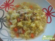 Zupa kapuściana z mięsem