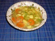 Zupa kapuściana z warzywami