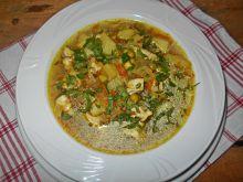 Zupa kapuściano-groszkowa z kurczakiem