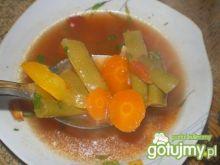 Zupa kolorowa z fasolką i marchewką