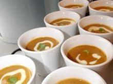 Zupa krabowa z kremem kukurydzianym
