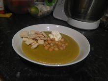 Zupa krem brokułowa z ciecierzycą
