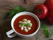 Zupa krem pomidorowy z mozzarellą