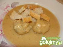 Zupa krem z pulpetami z łososia