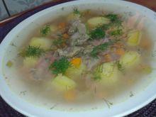 Zupa krupnik na żołądkach z kurczaka