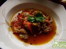 Zupa mięsna drobiowa z pieczarkami