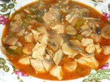 Zupa mięsna z ogórkiem kiszonym