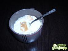 Zupa mleczna na bułeczce.