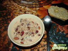 Zupa mleczna z bakaliami
