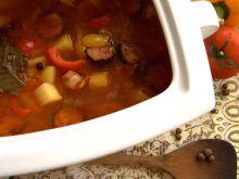 Zupa na sposób cygański z wędzoną kiełbasą