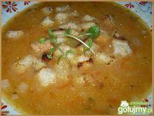 Zupa ogonowa z grzankami