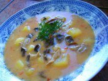 Zupa ogonowa z grzybami suszonymi