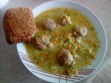 Zupa ogórkowa z pulpecikami
