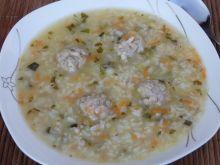 Zupa ogórkowa z ryżem i pulpecikami